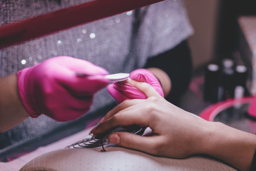 ENTITY shows you how to fix broken nails using tips from expert manicurists.